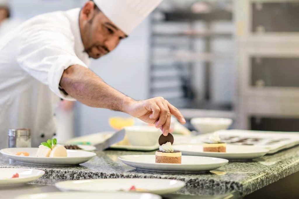 Hotel-Küche mit hochwertigem Essen