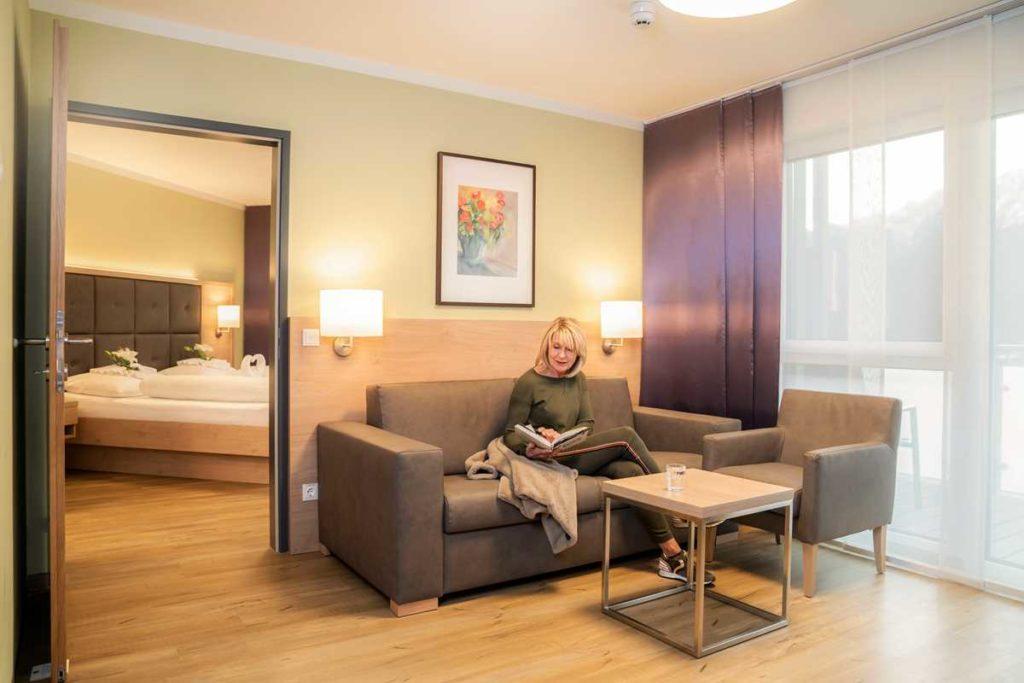 Großes Hotelzimmer