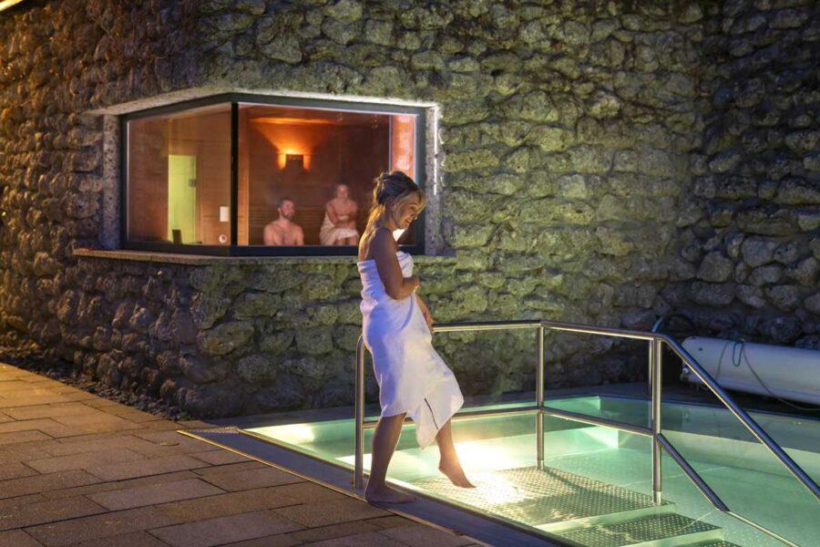 Felsen-Sauna in der Therme